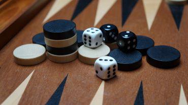 """Jocul de table – 7 lucruri interesante despre istoricul unui joc """"cu tradiţie"""""""